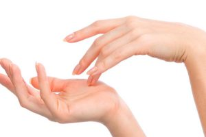 como rejuvenecer las manos